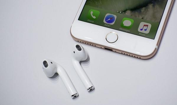 หูฟังไร้สาย AirPods หล่นหาย! Apple ขายให้ใหม่ในราคาเกือบ 3 พัน   มือ
