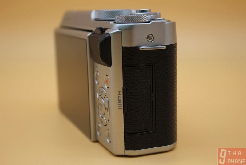 Fujifilm X-A10 // ninethaiphoneFujifilm X-A10 // ninethaiphone