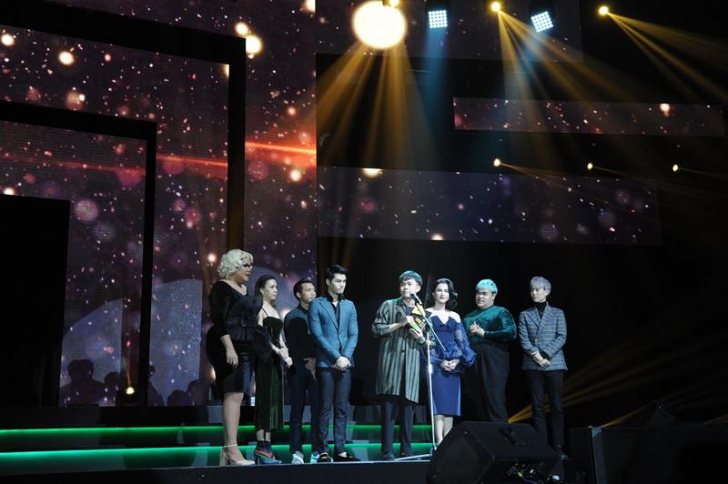 11 บรรยากาศการมอบรางวัล LINE TV AWARDS 2018