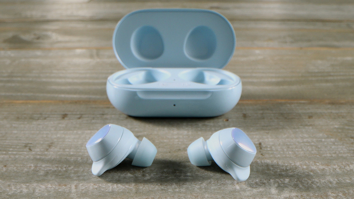 04 Galaxy Buds Plus_lifestyle