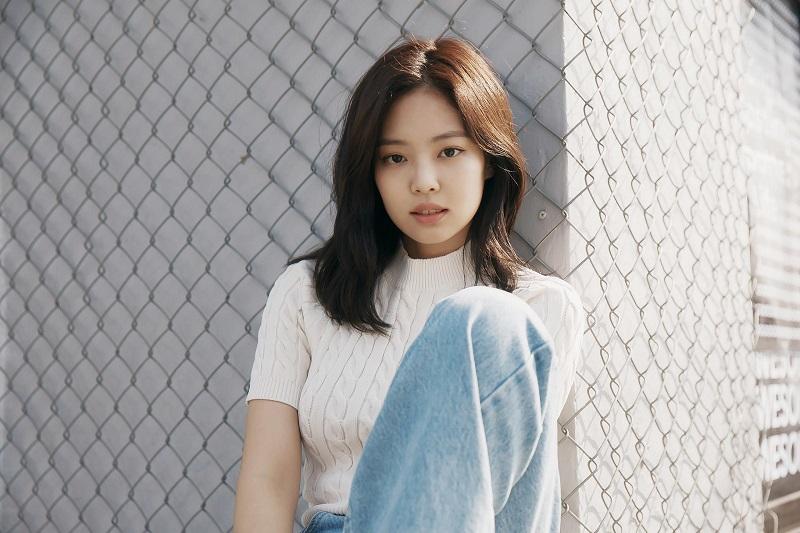 B-Cut_Galaxy-A_Jennie_01.
