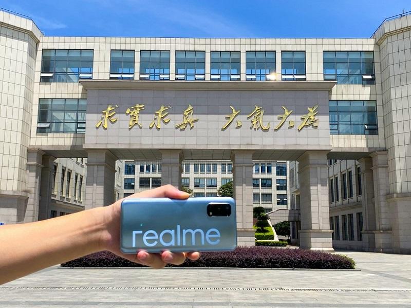 realme V5 (3)